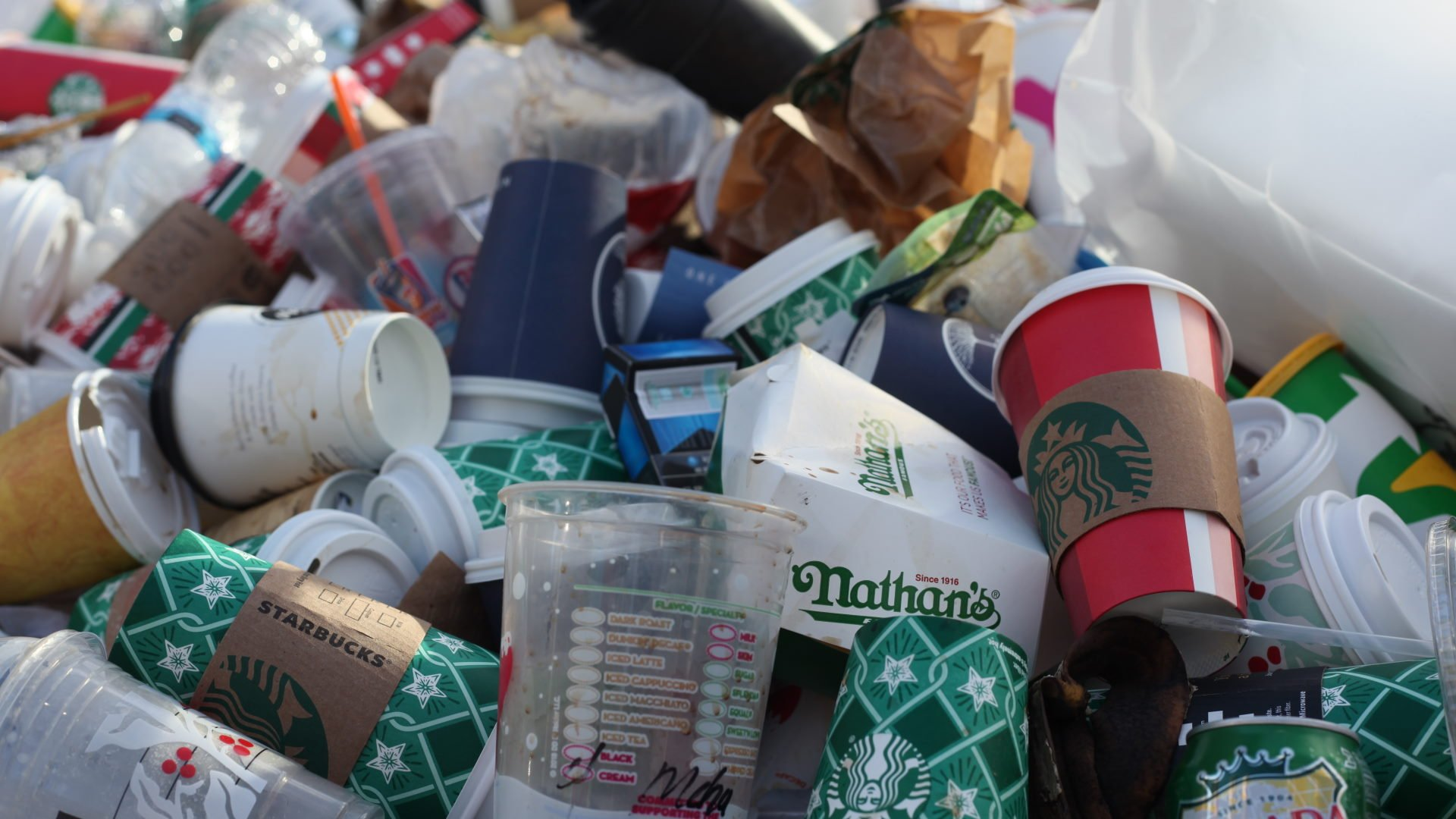Affald, kaffekopper, stock, unsplash